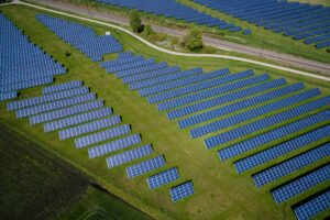 Top 10 Largest Solar Power Plants in the World [2021]
